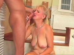 Blonde, Mom, Mature