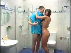 Teen, Shower